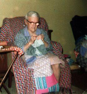 1983-granny-quilting