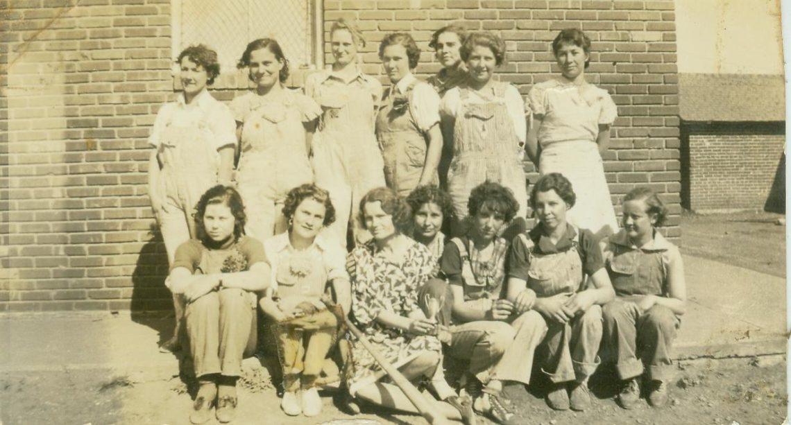 vintage girls softball team